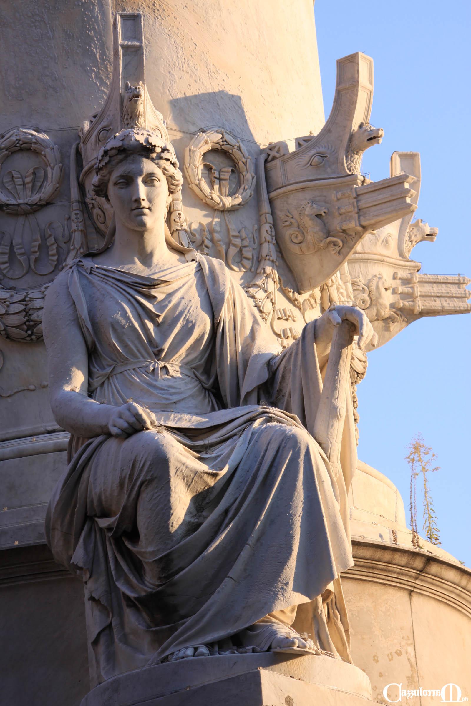La Forza (Fortezza) con una clava emblema della forza - Opera di Emilio Santarelli