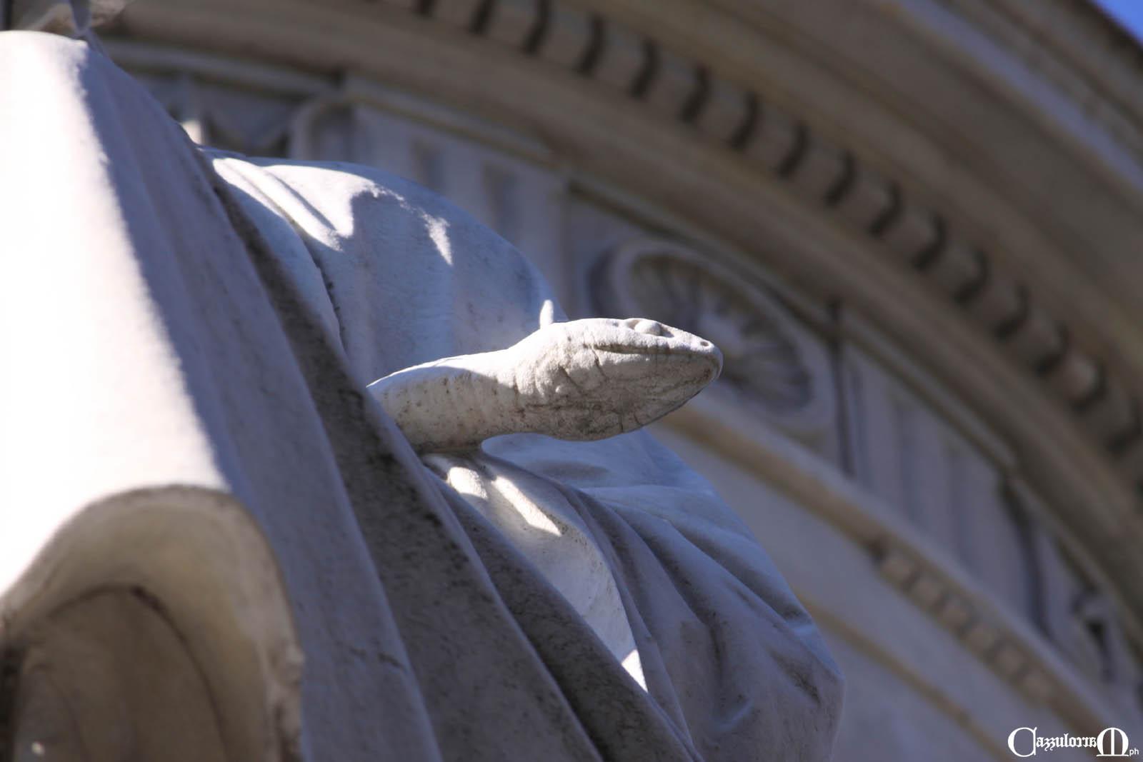 La Prudenza che tiene in mano una serpe - opera di Aristodemo Costoli