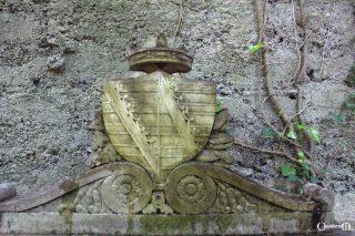la lapide della principessa Carlotta di Sassonia-Meiningen (dettaglio)